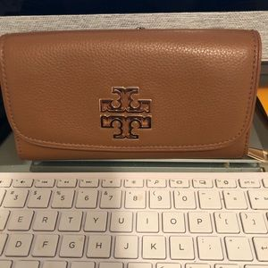 Authentic Tory Burch Wallet Camel Color
